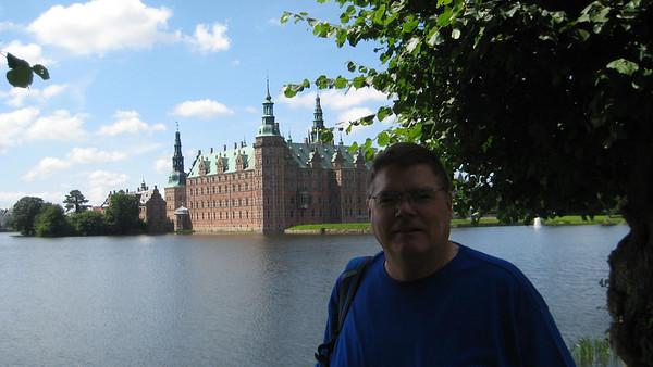 Day-2 of 18: Denmark: Frederiksberg Castle, Little Mermaid, Temple,