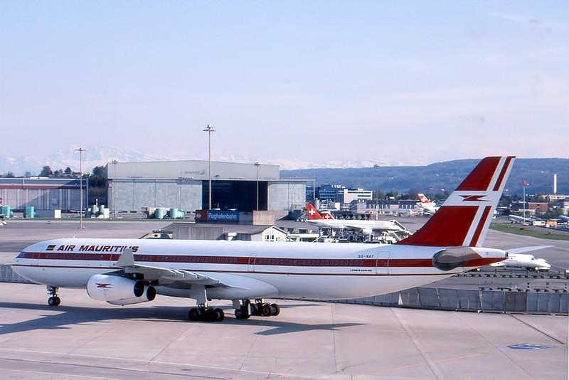 AirMauritius_01_A340_3B-NAY.jpg