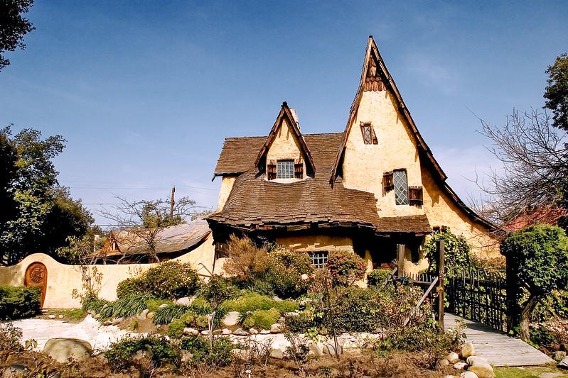 Gingerbread House1.jpg