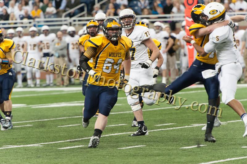 2014 Clarkston Varsity Football vs. Saline 400.jpg