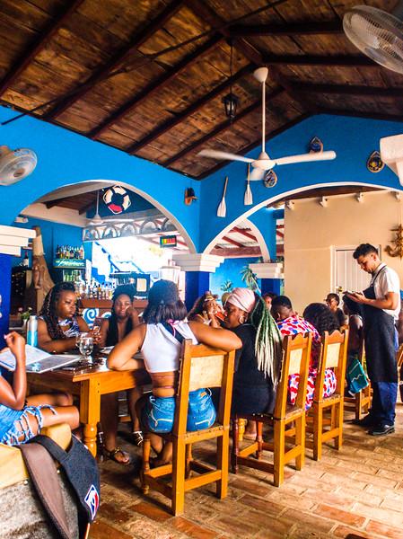 trinidad la marinera restaurant-4.jpg