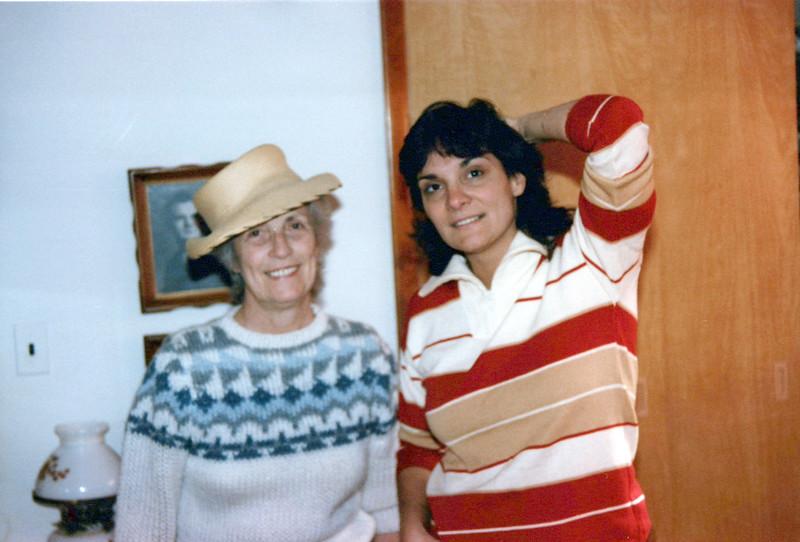 1985 Vivian and teri.jpeg