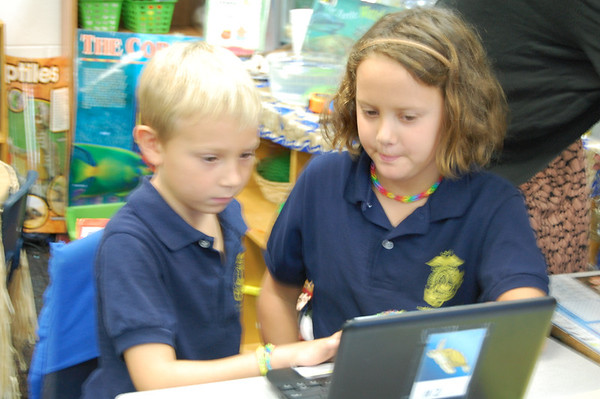 5th Grade Helps 1st Grade Learn About Computers