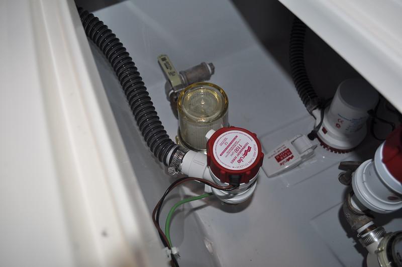 S247330-Single Baitwell Pump 1100gph Fwd 50 gallon Baitwell