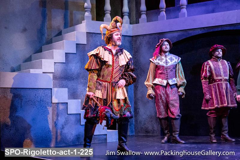 SPO-Rigoletto-act-1-225.jpg