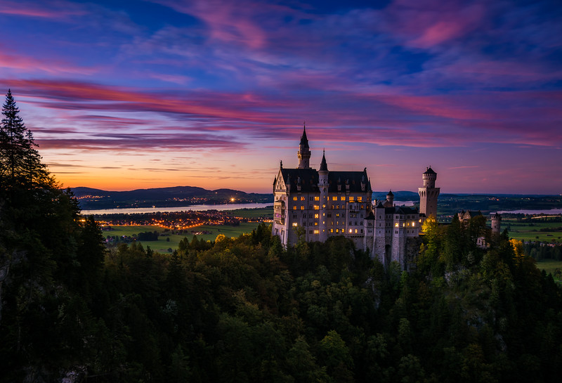 schloss-neuschwanstein-castle-dusk-sunset-germany-bavaria-bricker.jpg