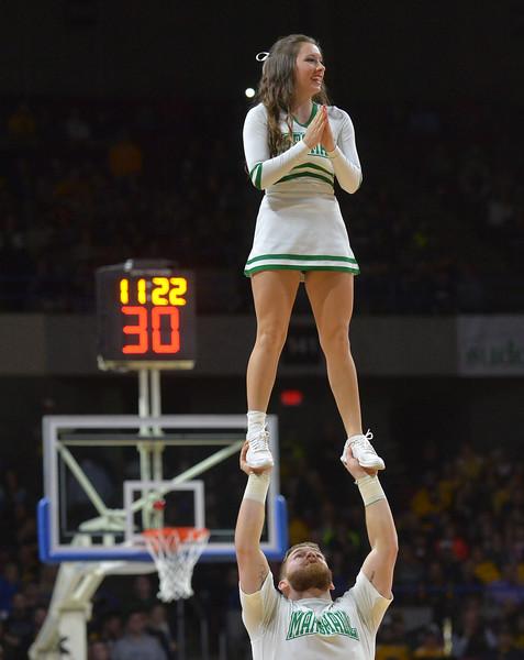 cheerleaders3990.jpg