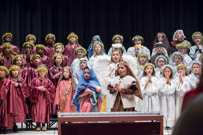 1st grade Christmas program (18 of 49).jpg
