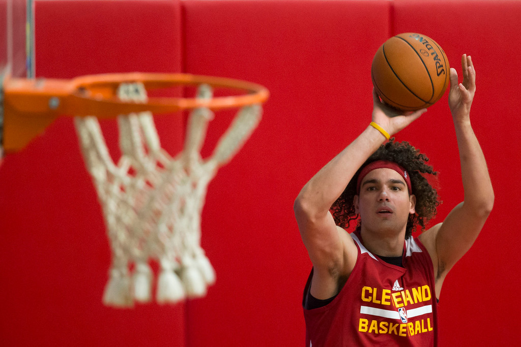 . Cleveland Cavaliers\' Anderson Varejao takes a shot during team practice in Rio de Janeiro, Brazil, Friday, Oct. 10, 2014. Cleveland Cavaliers will play Miami Heat in a pre-season game on Saturday as part of the NBA Global Games. (AP Photo/Felipe Dana)