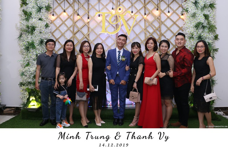 Trung-Vy-wedding-instant-print-photo-booth-Chup-anh-in-hinh-lay-lien-Tiec-cuoi-WefieBox-Photobooth-Vietnam-125.jpg