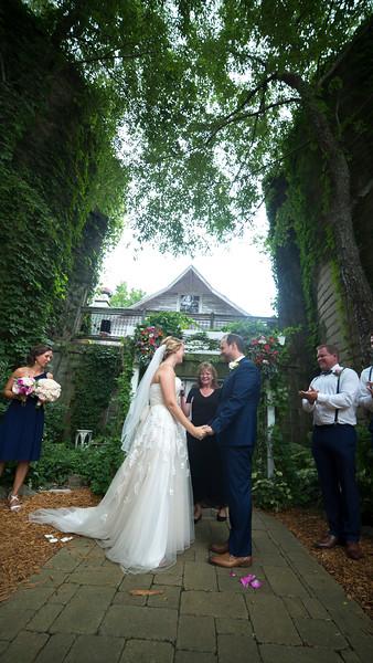 Garrett & Lisa Wedding (372).jpg