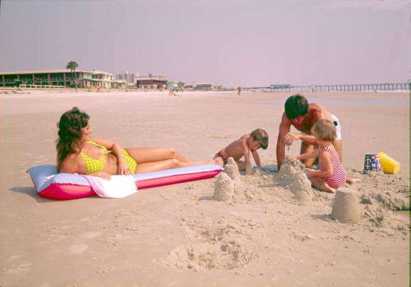 1973-sand castle.jpg