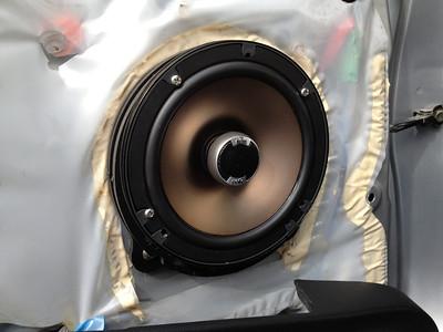 2004 Honda CR-V LX Rear Speaker Installation - USA