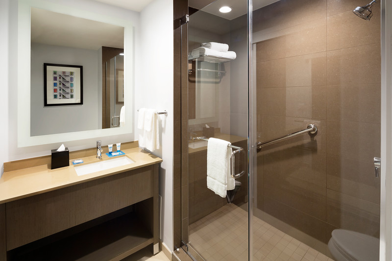 54-Glass Shower-HH Frisco.jpg