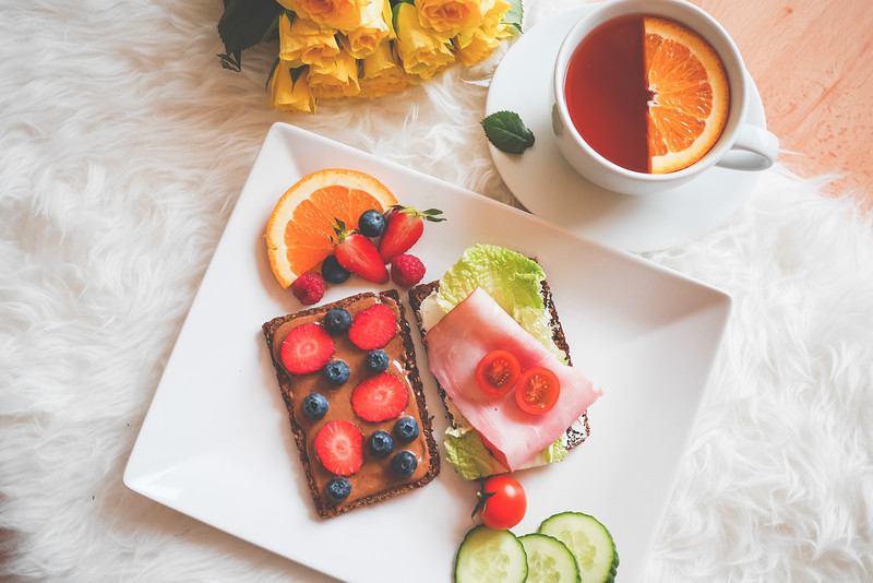 lazy-sunday-healthy-breakfast-picjumbo-com.jpg