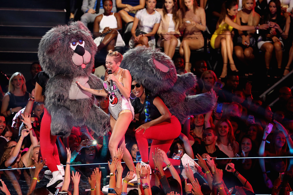 . Miley Cyrus performs onstage during the 2013 MTV Video Music Awards at the Barclays Center on August 25, 2013 in the Brooklyn borough of New York City.  (Photo by Neilson Barnard/Getty Images for MTV)