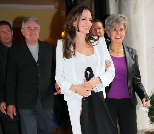 2011-12-05 - Angelina Jolie, Brad Pitt