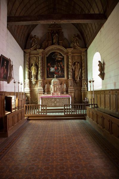 Saint-Etienne- l'Allier Altar