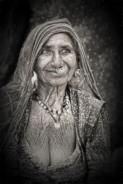 India 3300c.jpg