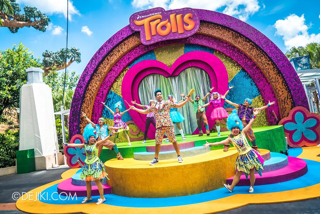 Universal Studios Singapore Park Update March 2018 TrollsTopia event - TrollsTopia show stage trolls