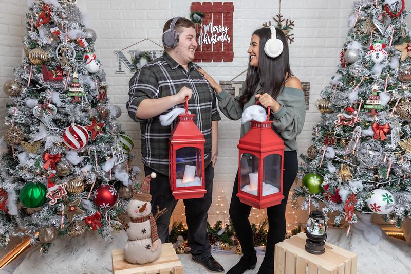 12.18.19 - Vanessa's Christmas Photo Session 2019 - 55.jpg