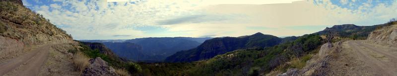 panorama03-390.JPG