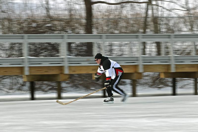 20140208_EMCphotography_PondHockeyCongersLakeNY-51.jpg