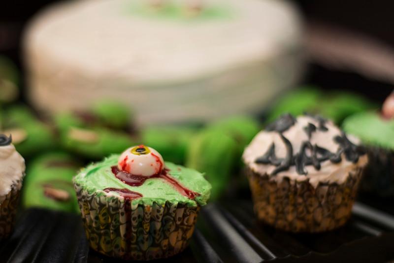 eyeball cupcake.jpg