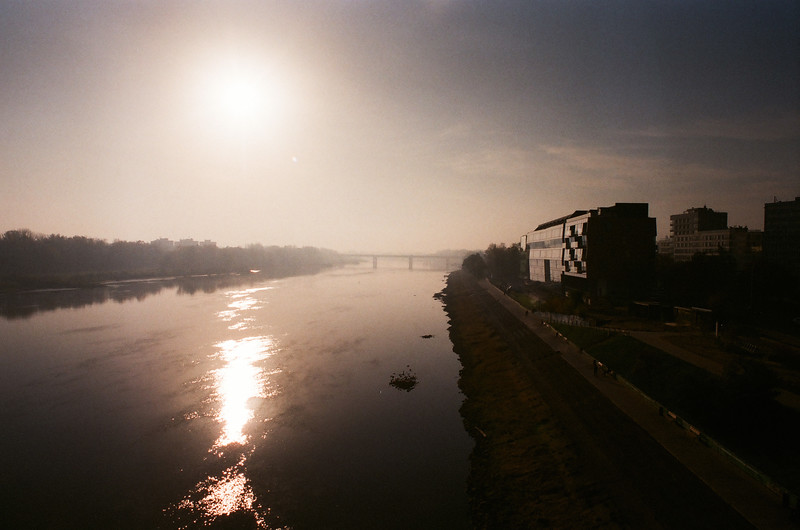VISTULA RIVER SUNRISE analog fuji 400.jpg