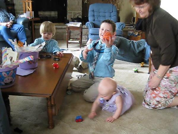 playing Easter.AVI