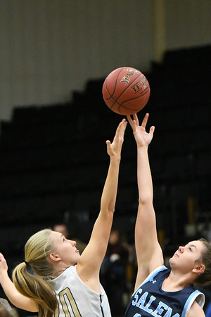 Basketball - LHS Girls 2018-19 - Salem (Full Res)
