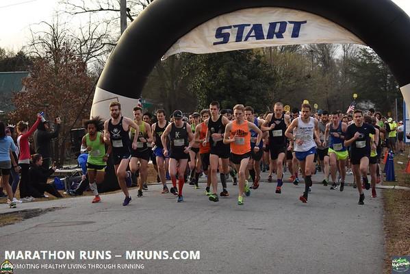2018 GHS Half Marathon Start