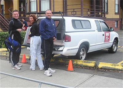 2003 Times-Colonist 10K - Rui, Laura and Bill are on the scene