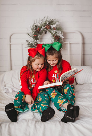 Jones/McCollough | Christmas Mini '18