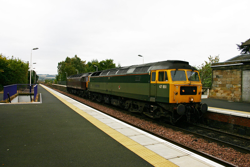 This is a rare sight indeed, a two tone green class 47 with late British Railways crest.  47851 leads 47854 in West Coast Railways maroon livery at Ladybank whilst working 0Z47 1308 Bo'ness to Perth.  7/10/2005