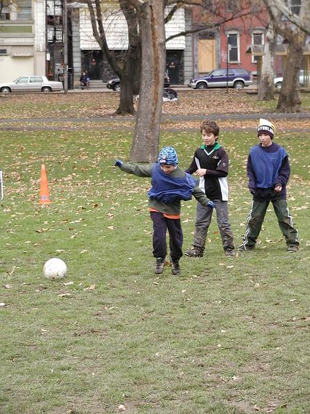 2004-11-28-GOYA-Turkey-Bowl_036.jpg