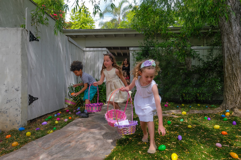 Auntie Wah's & Uncle Ed's Annual Easter Egg Hunt 2017-8.jpg