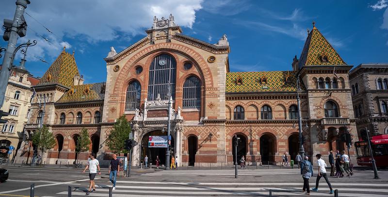 Central Market Hall Budapest.jpg
