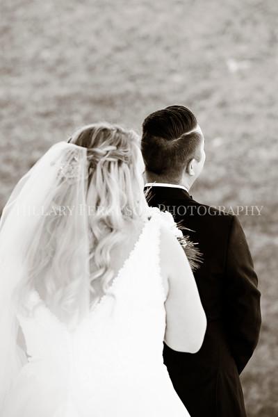 Hillary_Ferguson_Photography_Melinda+Derek_Getting_Ready361.jpg