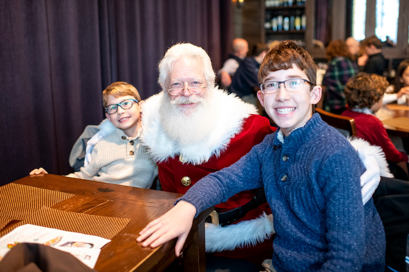 Avalon_BreakfastWithSanta_2019_9816.jpg
