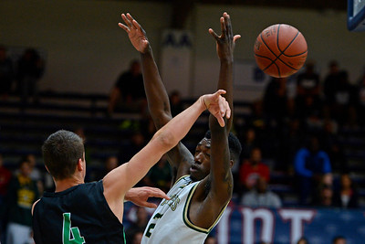 Moreau Catholic defeats Miramonte in boys basketball