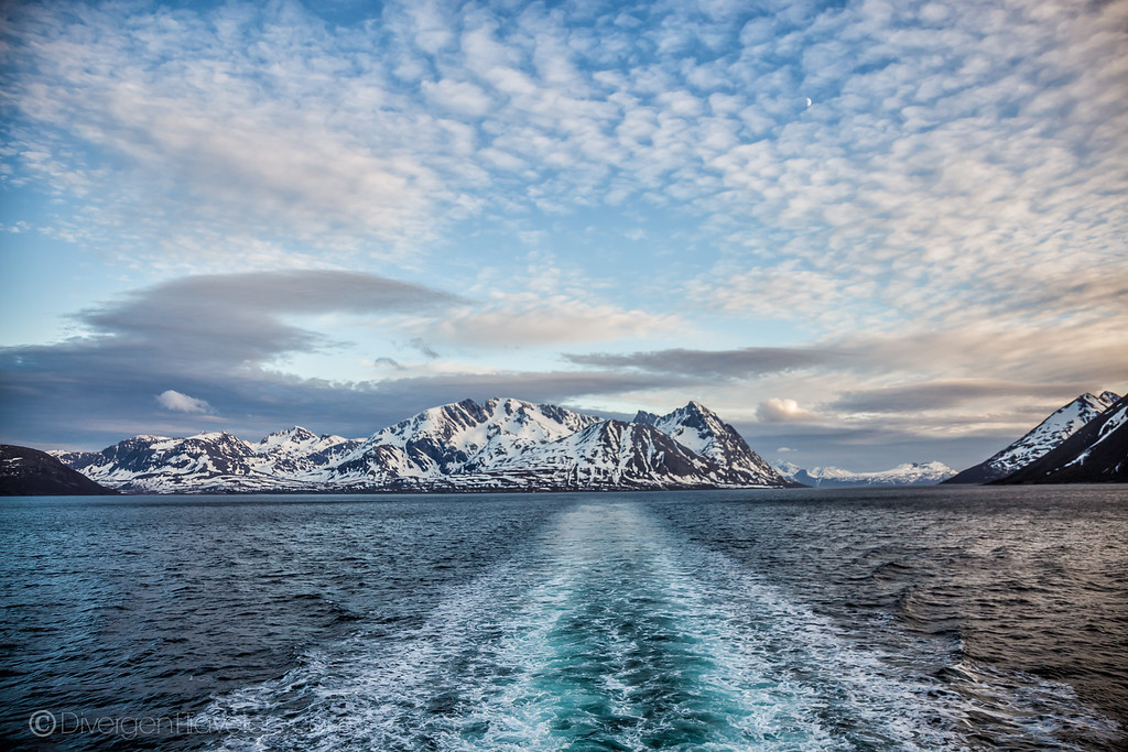 Norway Cruise Guide - Arctic Circle - Lina Stock