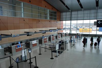 2013 04 07:  Duluth Airport, Federica+, H.S. Spain Trip
