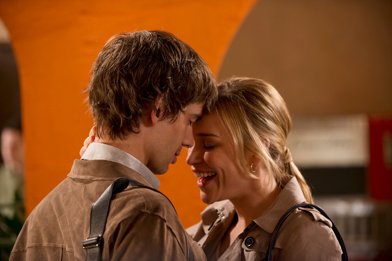 ". ""Vamos\"" Episode 401 -- Pictured: (l-r) Christopher Gorham as Auggie Anderson, Piper Perabo as Annie Walker -- (Photo by: Christos Kalohoridis/USA Network)"