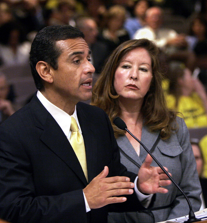 . Los Angeles Mayor Antonio Villaraigosa, left, urges members of the Senate Education Committee to approve a measure that would give him partial control of the Los Angeles Unified School District, during a hearing at the Capitol in Sacramento, Calif., Wednesday, June 28, 2006.  Despite opposition from parents groups and LAUSD Superintendent Roy Romer, the bill, supported by state Sen. Gloria Romero, D-Los Angeles, right, was approved by a 7-1 vote. (AP Photo/Rich Pedroncelli)