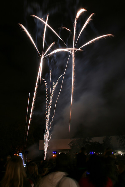 2007_1102putneyfireworks078_edited-1.JPG