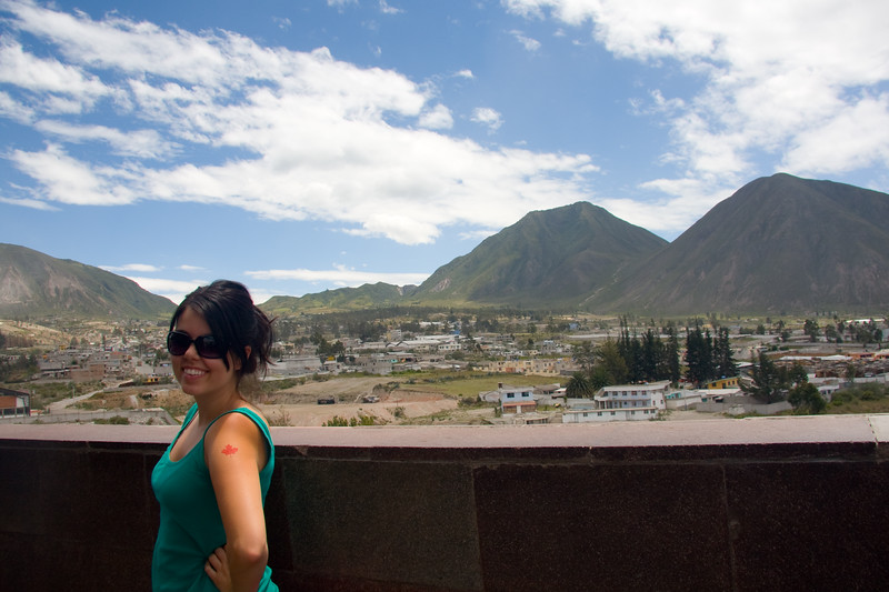 ry-showing-her-temporary-canada-tattoo-at-mitad-del-mundo_4882180359_o.jpg