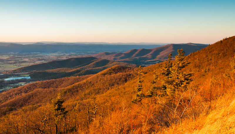 Winter evening view of the Blue Ridge Mountains from Skyline Drive in Shenandoah National Park, Virginia.