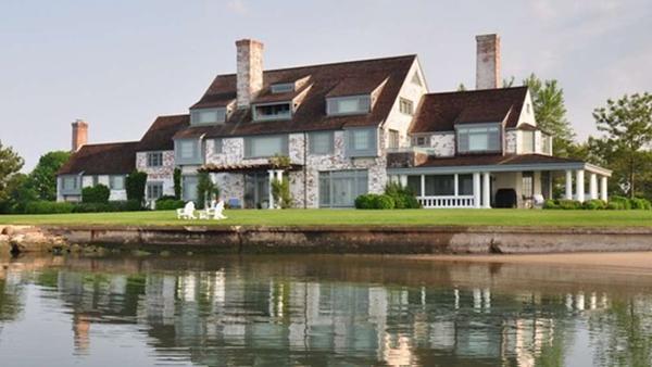 Katharine Hepburns Connecticut estate.png