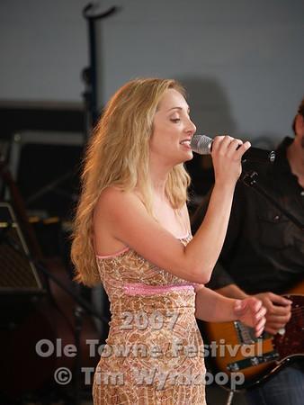 Lisa Bodnar and Her Band